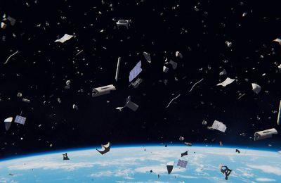 Μέχρι στιγμής ο «αστερισμός» Starlink περιλαμβάνει 60 δορυφόρους που κινούνται σε χαμηλή τροχιά, όμως ο ιδιοκτήτης της SpaceX, Ιλον Μασκ, φιλοδοξεί να στείλει στο διάστημα 12.000.