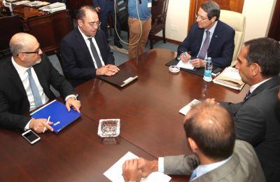 Η συνάντηση εντάσσεται στο πλαίσιο των τακτικών ενημερώσεων προς τον Πρόεδρο της Δημοκρατίας