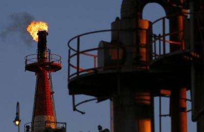 Οι τιμές του αμερικανικού αργού πετρελαίου καταγράφηκαν στα 56,19 δολάρια το βαρέλι, αυξημένες κατά 0,79%.