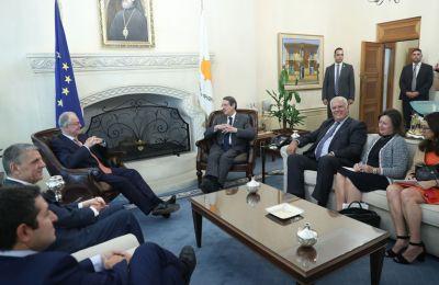 Συνάντηση Προέδρου Αναστασιάδη με τον Έλληνα Πρόεδρο της Βουλής
