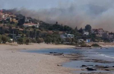 Η επιχείρηση εκκένωσης των σπιτιών ξεκίνησε λίγο μετά τις 2.30 και βρίσκεται σε εξέλιξη.