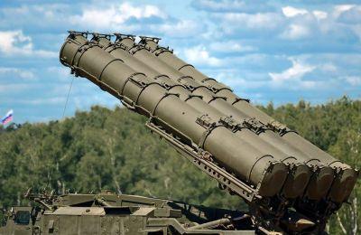 Η πρώτη συστοιχία πυραύλων παραδόθηκε στην Άγκυρα τον Ιούλιο παρά τις προειδοποιήσεις των ΗΠΑ για πιθανή επιβολή κυρώσεων εξαιτίας της αγοράς.