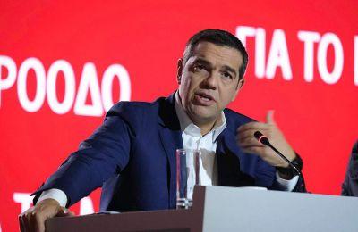 Σε ερώτηση για την πιθανότητα πρόωρων εκλογών και τη θέση του ΣΥΡΙΖΑ ο αρχηγός της αξιωματικής αντιπολίτευσης είπε: Με λένε Τσίπρα, όχι Μητσοτάκη