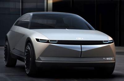 Με τον κωδικό 45, το νέο αυτό μοντέλο έρχεται να αποδώσει φόρο τιμής στο ιστορικό μοντέλο-έμπνευση Pony Coupe Concept