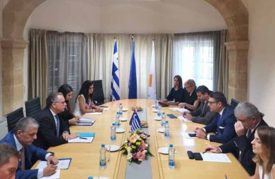 Πετρίδης και Κουμουτσάκος διαπίστωσαν ότι η στιγμή είναι κατάλληλη για έναν τέτοιο συντονισμό, ενόψει και του επικειμένου Συμβουλίου Υπουργών Εσωτερικών Υποθέσεων