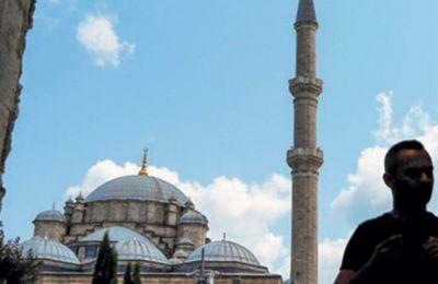 Το Φατίχ τζαμί στην Κωνσταντινούπολη. Ο Τούρκος πρόεδρος ζήτησε από τις ΗΠΑ λύση για τους πρόσφυγες.