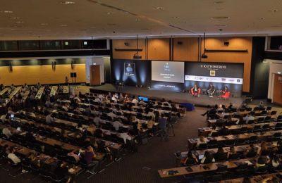 Το trailer αυτό είναι το επίσημο προωθητικό του summit χρησιμοποιείται σε μεγάλης έκτασης εκστρατεία επικοινωνίας του Cyprus Summit στο εξωτερικό με σκοπό την προώθηση της Kύπρου