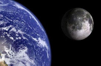 Η ρωσική διαστημική υπηρεσία Roscosmos και η Εθνική Διαστημική Υπηρεσία της Κίνας υπέγραψαν στην Αγία Πετρούπολη δύο συμφωνίες συνεργασίας για έρευνα στη Σελήνη