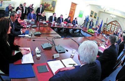 Η κυβέρνηση σπεύδει για έλεγχο και ανάκληση παράνομων διαβατηρίων - Ανησυχία επιχειρηματιών