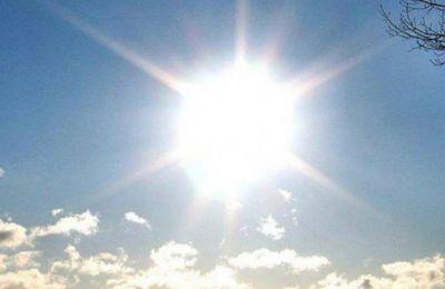 Η θερµοκρασία θα σηµειώσει µικρή πτώση την Τετάρτη και την Πέµπτη, παραµένοντας ωστόσο πάνω από τις µέσες κλιµατολογικές τιµές
