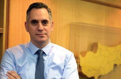 «Πρέπει να αποφασίσει επιτέλους ο κ. Αναστασιάδης, κατά πόσο πιστεύει σε αυτή την πολιτική ή κατά πόσο φοβάται. Δεν υπάρχει πολυτέλεια για αμφιταλαντεύσεις».