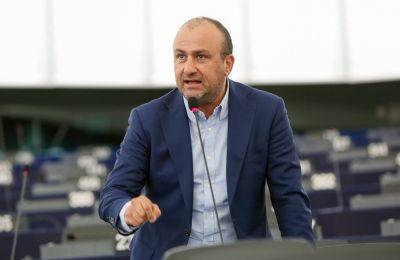 Ο Πρόεδρος της ΕΔΕΚ είχε αναφέρει πως δεν καταβάλλει συγκεκριμένο ποσό στο κόμμα απ;o τον μισθό του ως Eυρωβουλευτής