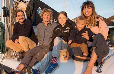 Το ζευγάρι των Αυστραλών πρότεινε στους Τούνμπεργκ να τους μεταφέρει στην Ευρώπη