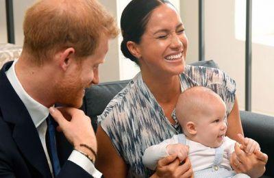 Ο πρίγκιπας Harry και η Meghan Markle με τον γιο τους Αrchie