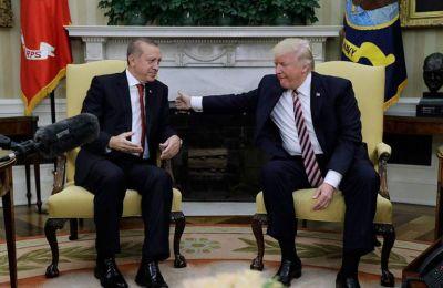 Λίγο μετά την προειδοποίηση του Προέδρου των ΗΠΑ, ότι η Τουρκία πρέπει να παραιτηθεί από το ρωσικό πυραυλικό σύστημα, η τουρκική λίρα σημειώνει νέα πτώση.