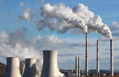 Η επόμενη πρόεδρος της Κομισιόν, η Ούρσουλα φον ντερ Λάιεν, τάσσεται υπέρ της μεταμόρφωσης της ΕΤΕπ σε «κλιματική τράπεζα».