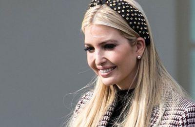 Η Ivanka ανέβασε στον λογαριασμό της στο Twitter μια φωτογραφία να φορά μία παραδοσιακή μαροκινή φορεσιά σε χρυσές και κρεμ αποχρώσεις