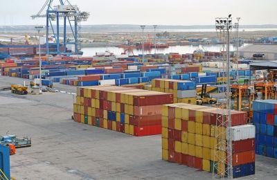 Η συνολική αξία των εισαγωγών ήταν € 6,1 δισ. Ευρώ με πτώση -7%