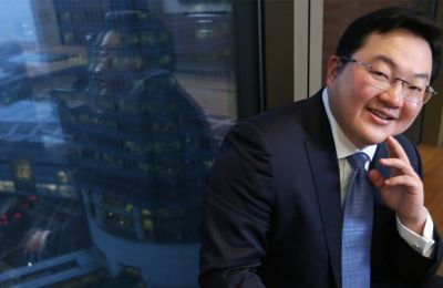 Πρόσφατες αναφορές έκαναν λόγο ότι ο Low θεάθηκε τον τελευταίο καιρό στην Κίνα, στο Χονγκ Κονγκ στο Μακάου και στα Ηνωμένα Αραβικά Εμιράτα