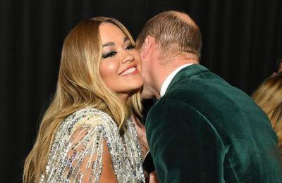 Η pop τραγουδίστρια Rita Ora, συνοδευμένη από την μητέρα της, είχε την ευκαιρία να γνωρίσει από κοντά τον πρίγκιπα
