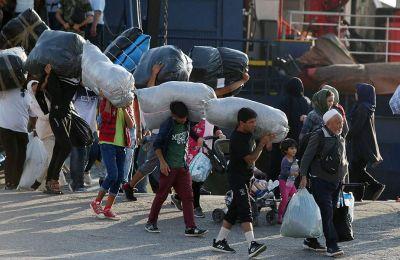 Στις 12:30 το μεσημέρι θα καταπλεύσει και το επιβατηγό οχηματαγωγό «Νήσος Χίος» με 22 μετανάστες και πρόσφυγες από τη Σάμο.
