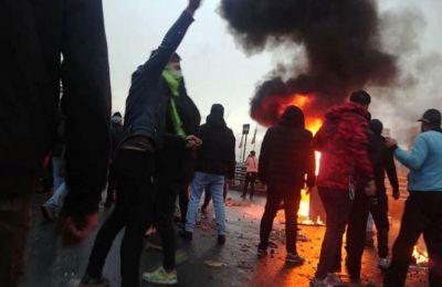 Περίπου 1.000 διαδηλωτές έχουν συλληφθεί από την Παρασκευή, ημέρα έναρξης των ταραχών.