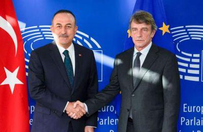 Ο Τσαβούσογλου έφτασε στις Βρυξέλλες για τη σύνοδο των υπουργών Εξωτερικών του ΝΑΤΟ.