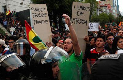 Ο 'Εβο Μοράλες είχε δηλώσει ότι κέρδισε πριν παραιτηθεί τρεις εβδομάδες αργότερα υπό την πίεση των διαδηλώσεων και την ανατροπή του από τον στρατό.