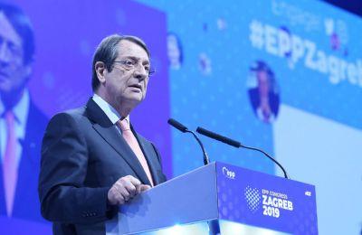 «Η ισχυρή του προσήλωση στις αρχές της ΕΕ και στην ενότητα ήταν πάντοτε η καθοδηγητική δύναμη στην εδραίωση του στρατηγικού ρόλου του Ευρωπαϊκού Συμβουλίου».