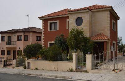 Πωλείται: Οικία 4 Υπνοδωματίων στο χωριό Σωτήρα, στην Επαρχία Λεμεσού