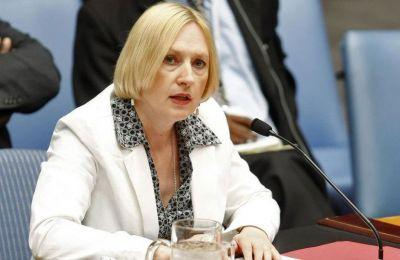 Στο Βερολίνο θα βρίσκεται, ως αναμένεται, μαζί με τον ΓΓ του ΟΗΕ, η Ειδική του Απεσταλμένη Τζέιν Χολ Λουτ.