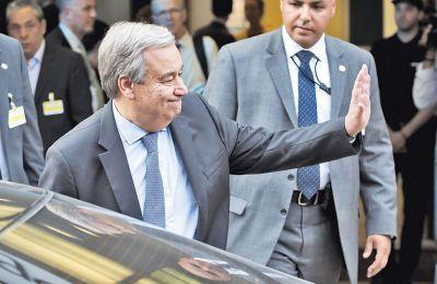 Καθώς αύριο στο Βερολίνο συναντώνται οι δύο ηγέτες με τον γ.γ. του ΟΗΕ, εξ αντικειμένου ο πήχης των προσδοκιών έχει χαμηλώσει.
