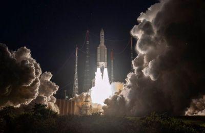 Μεταφέρει ένα δορυφόρο επικοινωνίας για την αιγυπτιακή κυβέρνηση και ένα δορυφόρο για το Inmarsat στο διάστημα.