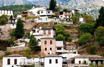 Ο διατηρητέος, παραδοσιακός οικισμός της Καστάνιτσας. (Φωτογραφία: ΤΖΟΥΛΙΑ ΚΛΗΜΗ)