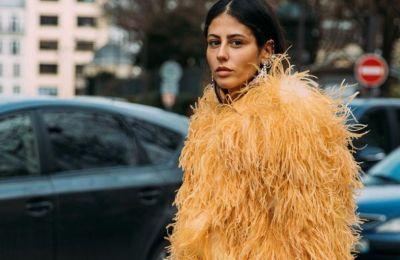 Διάφοροι οίκοι έδωσαν αρκετή έμπνευση για το πώς μπορεί μια γυναίκα να εντάξει τα φτερά στη γκαρνταρόμπα της και να δείχνει φινετσάτη.