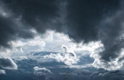 Την Κυριακή, παροδικά αυξηµένες νεφώσεις αναµένεται να δώσουν µεµονωµένη βροχή ή και καταιγίδα.