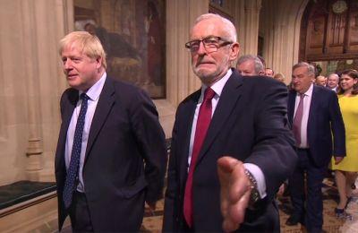 Η τηλεμαχία γίνεται εν μέσω έντονων επικρίσεων σε βάρος του πρωθυπουργού Τζόνσον για το ότι αποφεύγει τις δύσκολες συνεντεύξεις.