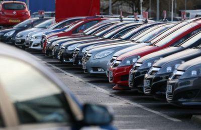 Τους πρώτους έντεκα μήνες του χρόνου, οι εγγραφές επιβατηγών σαλούν αυτοκινήτων μειώθηκαν σε 35.136, από 37.840.