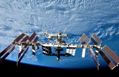 Οι αστροναύτες του ΔΣΣ έχουν πολύ ξεφόρτωμα να κάνουν, καθώς το αμερικανικό Dragon μόλις είχε μεταφέρει άλλους δυόμισι τόνους εφοδίων