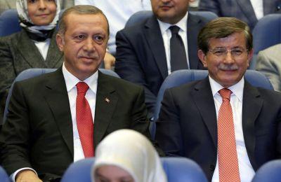 Το ρήγμα μεταξύ του κ. Ερντογάν και των πρώην συμμάχων του έχει λάβει διαστάσεις καθώς η ίδρυση των νέων κομμάτων πλησιάζει.