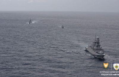 Οι δύο φρεγάτες που συμμετείχαν στην άσκηση του Γαλλικού και Ιταλικού πολεμικού ναυτικού. Από πλευρά ΕΦ στην άσκηση έλαβε μέρος το ΠΘ Αρχηπλοίαρχος Α. Ιωαννίδης.
