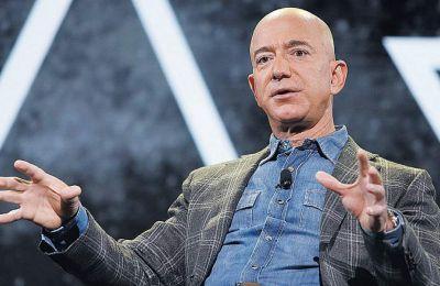 Σύμφωνα με το περιοδικό Forbes αλλά και με τον δείκτη Bloomberg Blllionaires, ο προσωπικός πλούτος του Τζεφ Μπέζος ανέρχεται σήμερα σε 109 δισ. δ