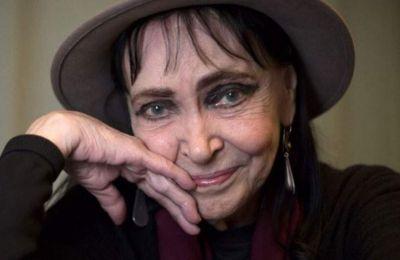 Γαλλίδα δανικής καταγωγής, η ηθοποιός με το χλωμό πρόσωπο και τα μεγάλα γαλαζόγκριζα μάτια είχε γυρίσει στα χρόνια του 1960 επτά ταινίες με τον Γκοντάρ