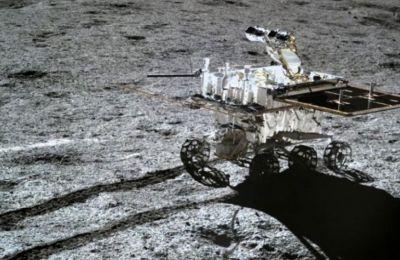 Το σοβιετικό Lunokhod 1 ήταν το πρώτο τηλεκατευθυνόμενο ρομποτικό όχημα που προσεδαφίστηκε σε άλλο ουράνιο σώμα.
