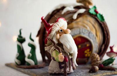 Γλυκά υπερπαραγωγή με θέμα τα χριστουγεννιάτικα τοπία, τους Αγιοβασίληδες σε αφράτα cookies και gingerbread σπιτάκια που λυπάσαι να τα γευτείς