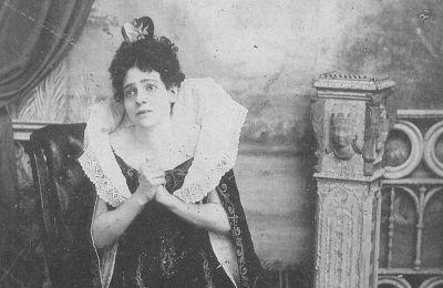 Η Ευαγγελία Παρασκευοπούλου ως Λουκρητία Βοργία (1892).