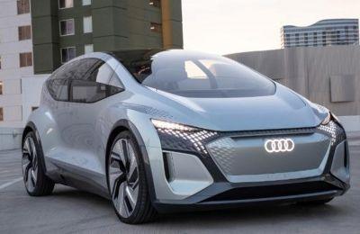 Με το AI:ME η Audi επιδεικνύει πώς οι πελάτες θα μπορούν να χρησιμοποιούν απόλυτα ελεύθερα τον χρόνο τους σε ένα αυτόνομο αυτοκίνητο στο μέλλον.