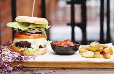 Το WIZ σας παρουσιάζει τα 5 εστιατόρια που ψηφίστηκαν ως τα καλύτερα για το 2019 στη κατηγορία Street Food, από τους χρήστες της εφαρμογής.