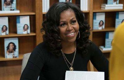 Σε ανάρτησή της η Michelle, η σειρά θα επικεντρωθεί στις δυσκολίες που αντιμετωπίζουν οι πρωτοετείς φοιτητές