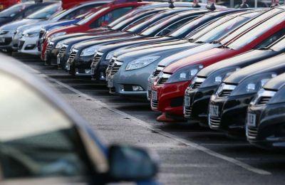 Η μείωση οφείλεται κυρίως στην υποχώρηση στις πωλήσεις επιβατηγών αυτοκινήτων σαλούν